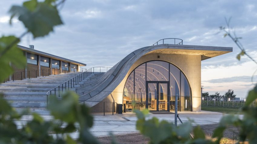 Vinařství Lahofer od Chybíka a Krištofa míří na prestižní finále architektonické soutěže