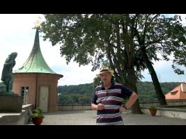 Zdeněk Lukeš před Matyášovým pavilonkem