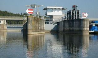 Vodohospodářskou stavbou roku 2017 je hněvkovická plavební komora