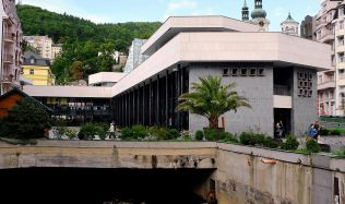 Vřídelní kolonádu v Karlových Varech čeká oprava. Je v superhavarijním stavu