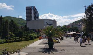Základnou Mezinárodního filmového festivalu Karlovy Vary je ikonický Hotel Thermal